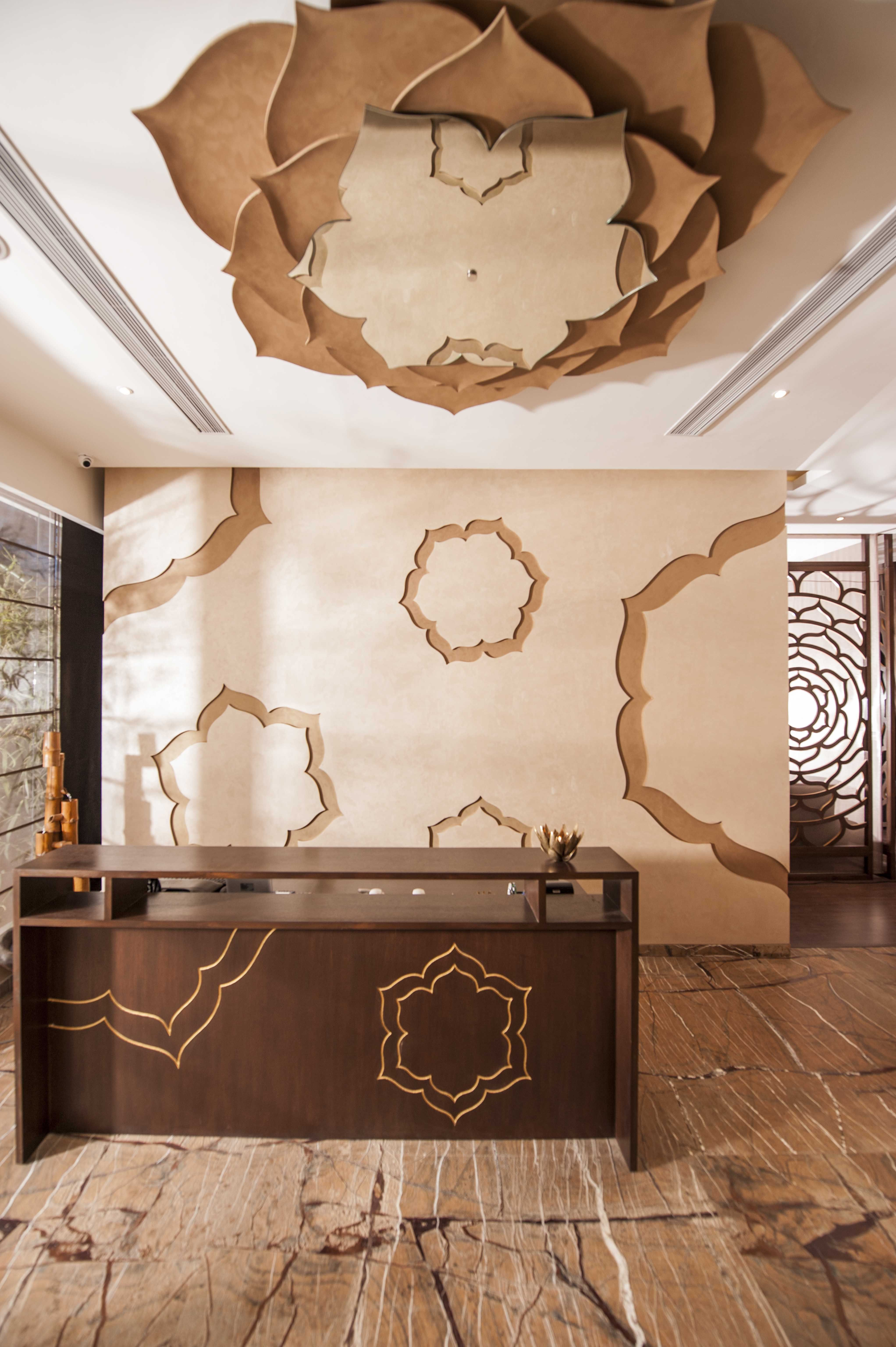 Pooja Room Designs For Flats: Footworks Spa - Designed By #morph