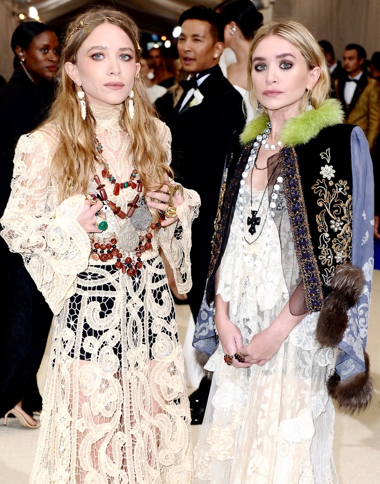 mary kate and ashley attending the met gala 2017 may 1. Black Bedroom Furniture Sets. Home Design Ideas