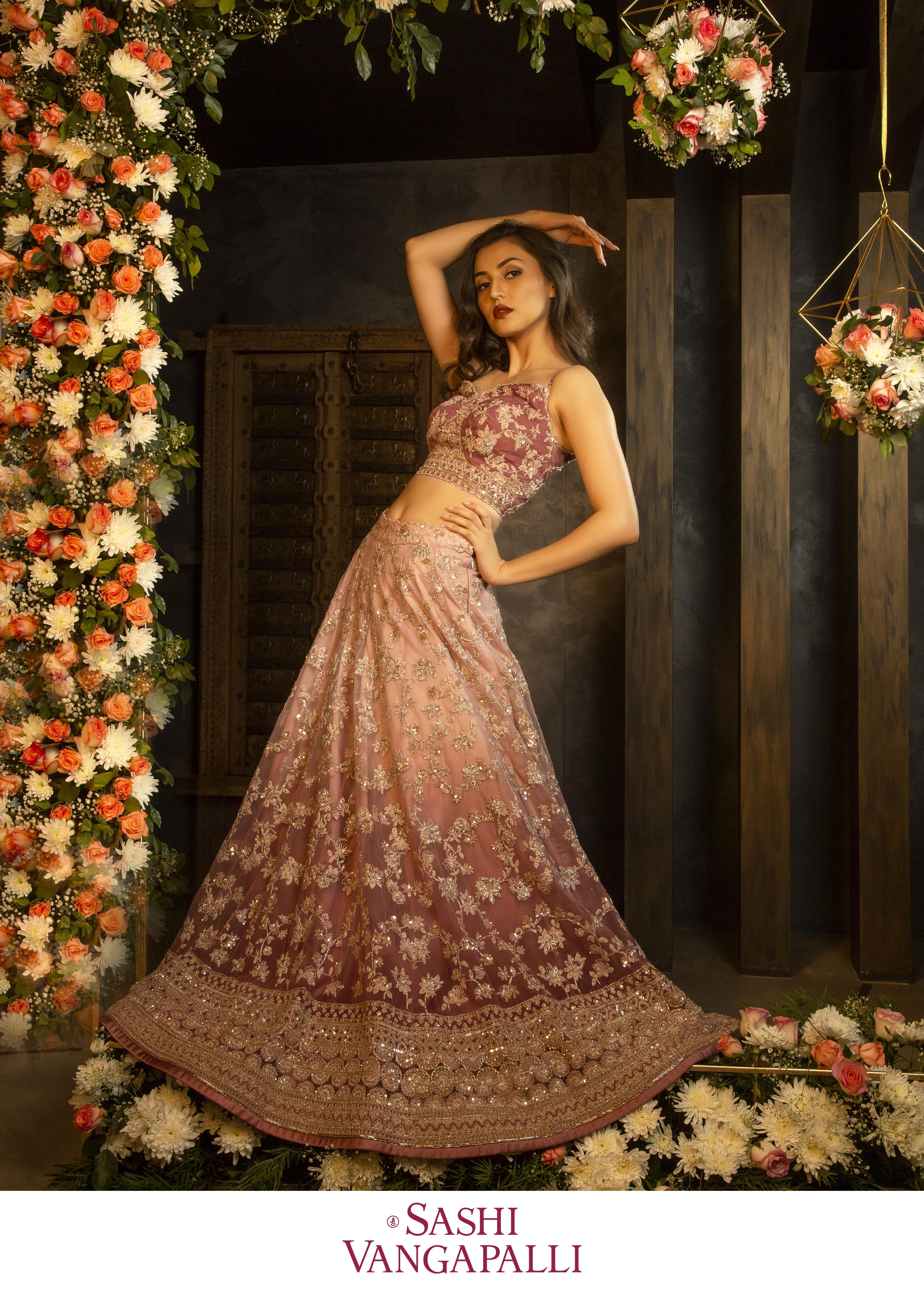 Sashi Vangapalli Bridal Lehenga In 2020 Reception Gown Bridal Lehenga Indian Outfits