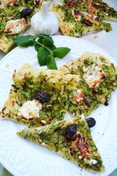 My southern French dream Zucchini Pissaladière with goats cheese  Brot Brötchen Pizza