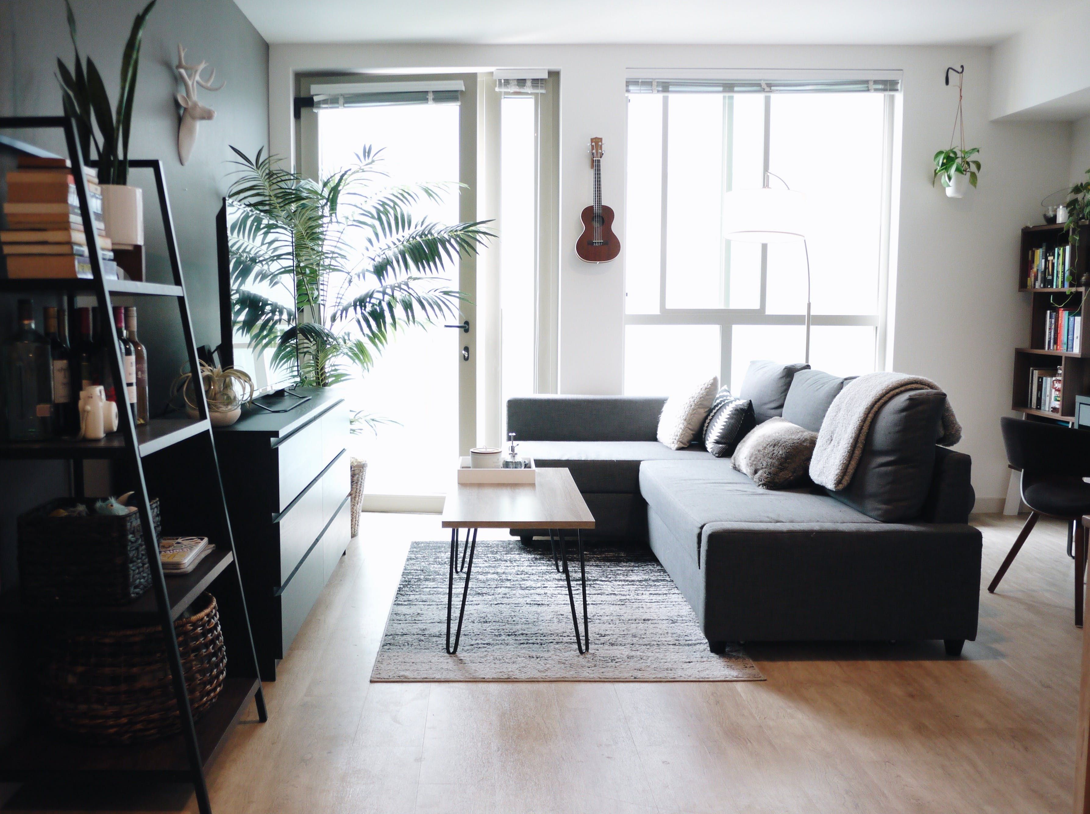 An Open & Crisp Seattle Studio Apartment for Two Living