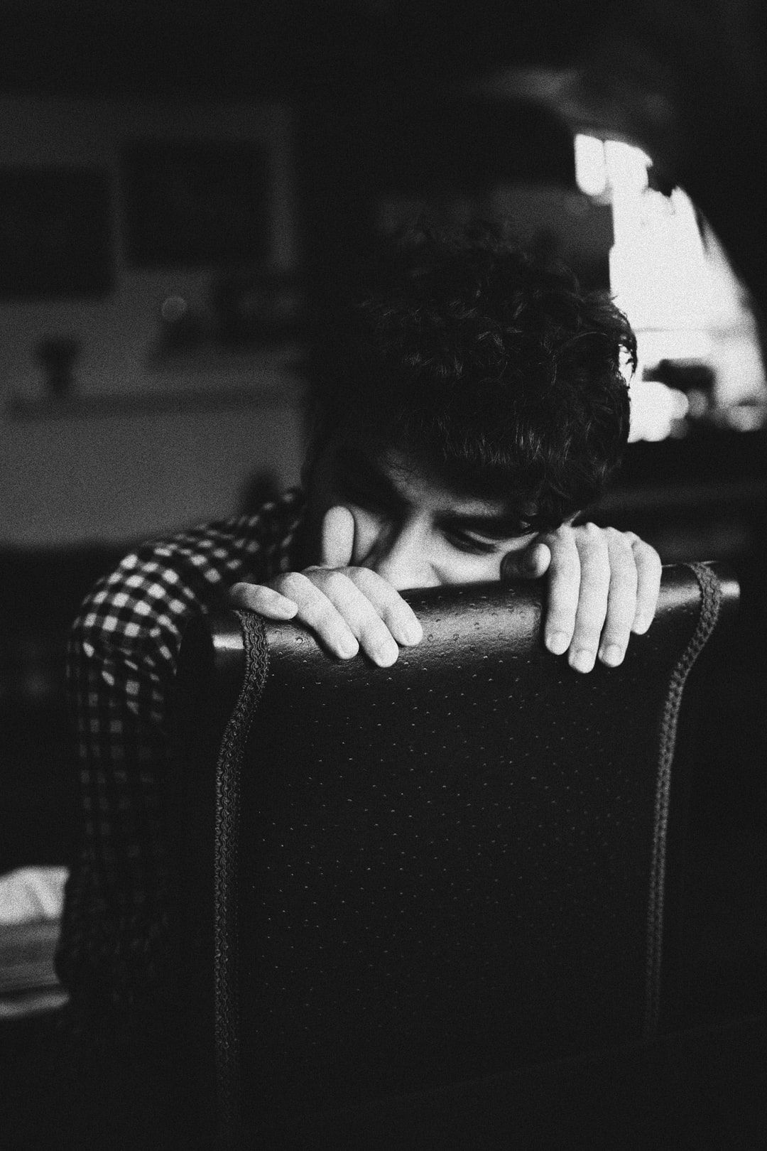 Somber Download This Photo By Shaian Ramesht On Unsplash Girly Pictures Photo Grayscale