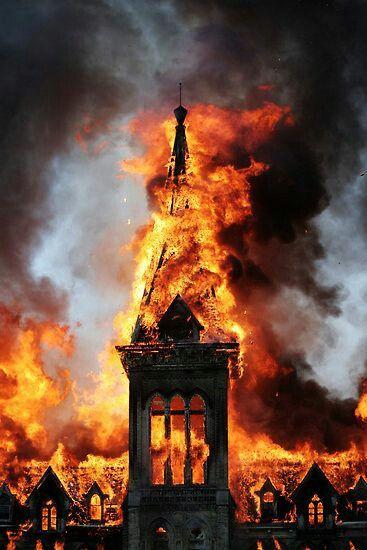 Kościół W Ogniu Fire Tatuaże Horror I Tatuaż