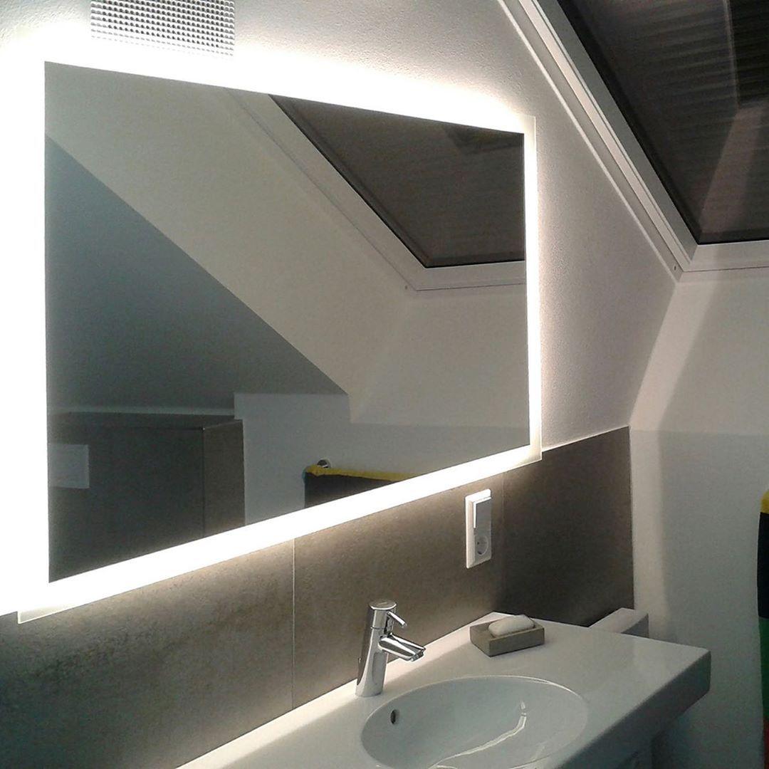 Noemi 21 Design Badezimmerspiegel Mit Led Beleuchtung Zum Produkt Artikelnummer 2201001 Webseite Www Spiegelid De Direktlink Www Spiege Banyo Aynalari
