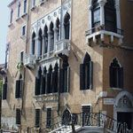 When I go to Venice one day I would like to stay at this hotel...Palazzo Priuli.