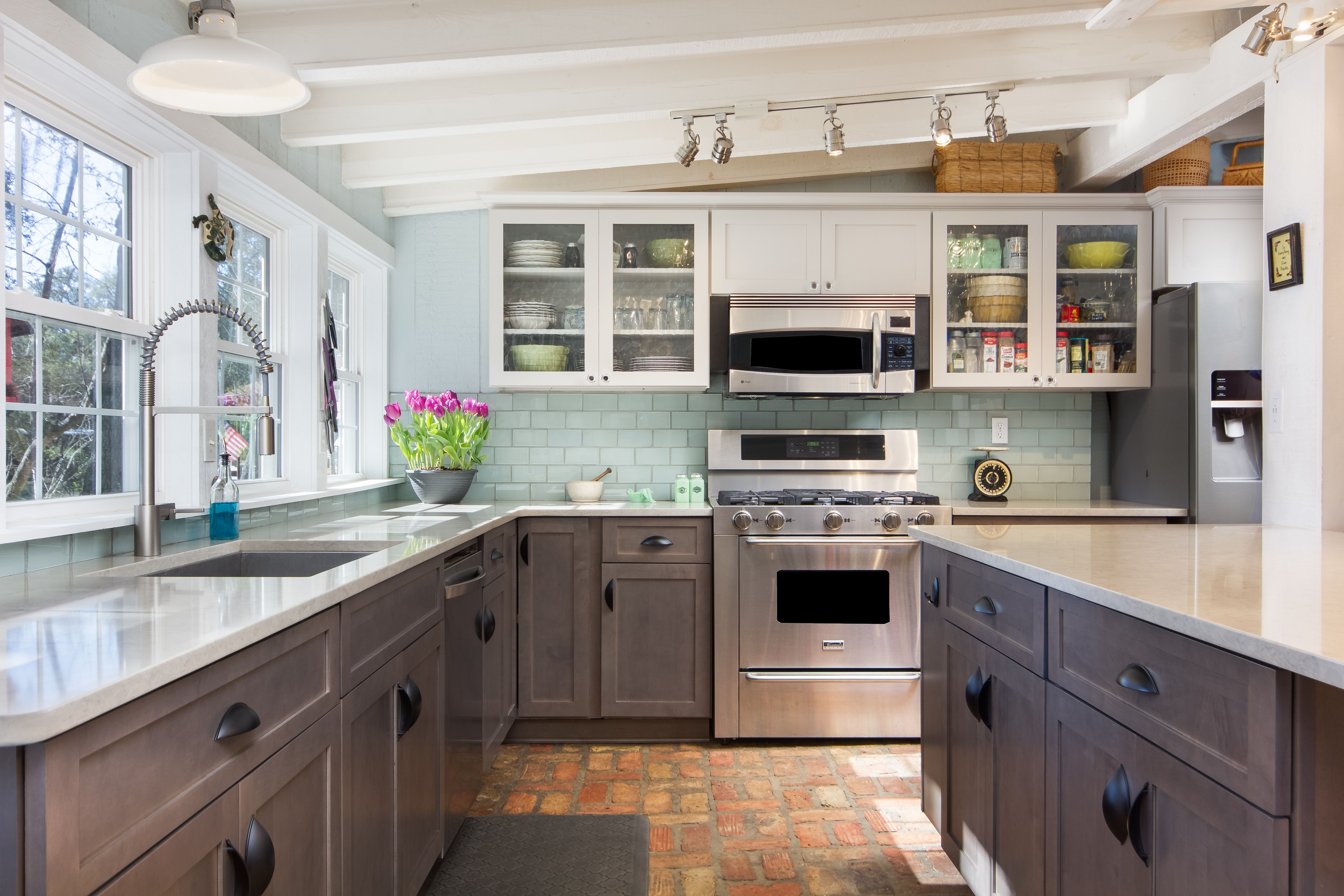 Transitional Kitchen Remodel Done in Both Stone and ...