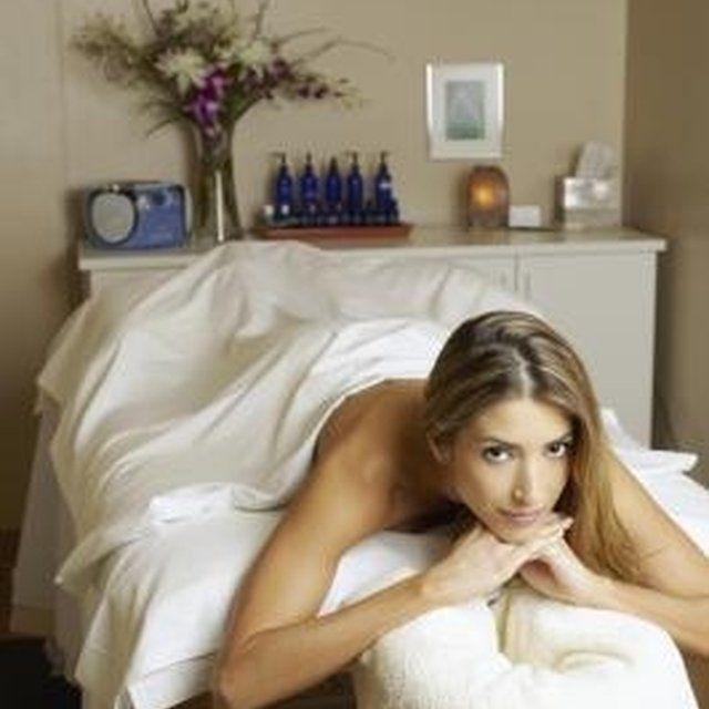 A massage room should be relaxing. | Massage room, Massage