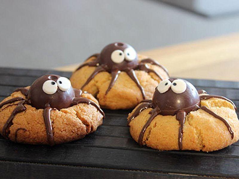 spider cookies cookies araign es au thermomix cookomix gateaux anniversaire dono spider. Black Bedroom Furniture Sets. Home Design Ideas
