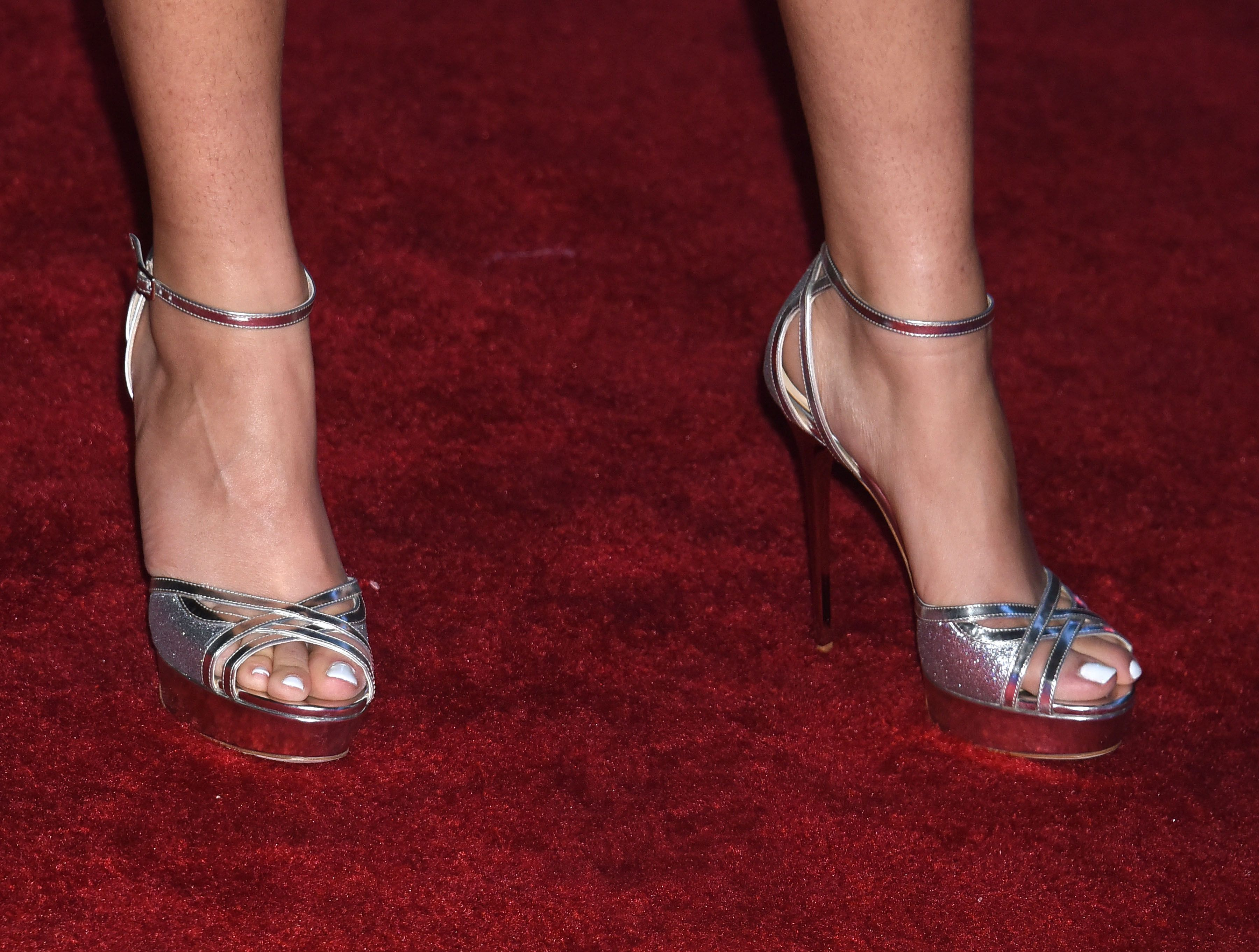Freaky celebrity feet! See six stars with scary toes...