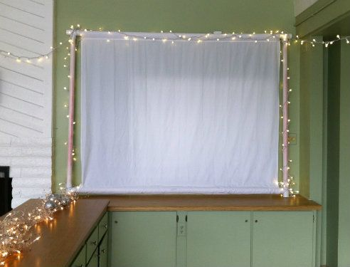 Love This! Pvc Pipe + Fabric U003d Projector Screen