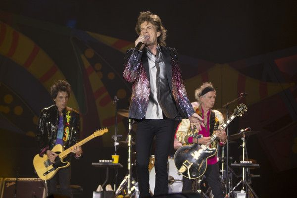 Keith Richards ♥️ The Rolling Stones performs live on stage during the America Latina Ole Tour 2016 at Estadio Nacional on February 03, 2016 in Santiago, Chile. #KeithRichards #StonesIsm #PattiHansen #CrosseyedHeart #MickJagger #CharlieWatts #RonWood #Rock #Music #Legend #chili #america #latina