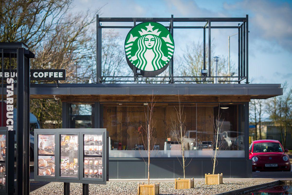 Starbucks Drive Thru (Keele North) on Behance 디자인, 음료