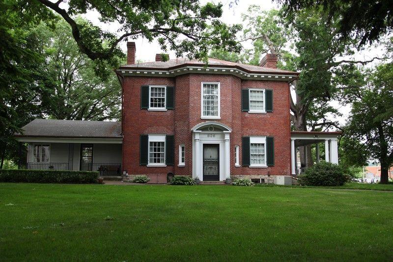 1871 Italianate 1871 Italianate Neoclassical In Zanesville Ohio Historic Homes For Sale Brick Architecture Historic Homes