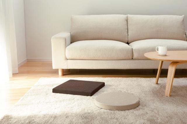 Woonkamer Van Muji : Sofa rug and coffee table redesign of lobby muji