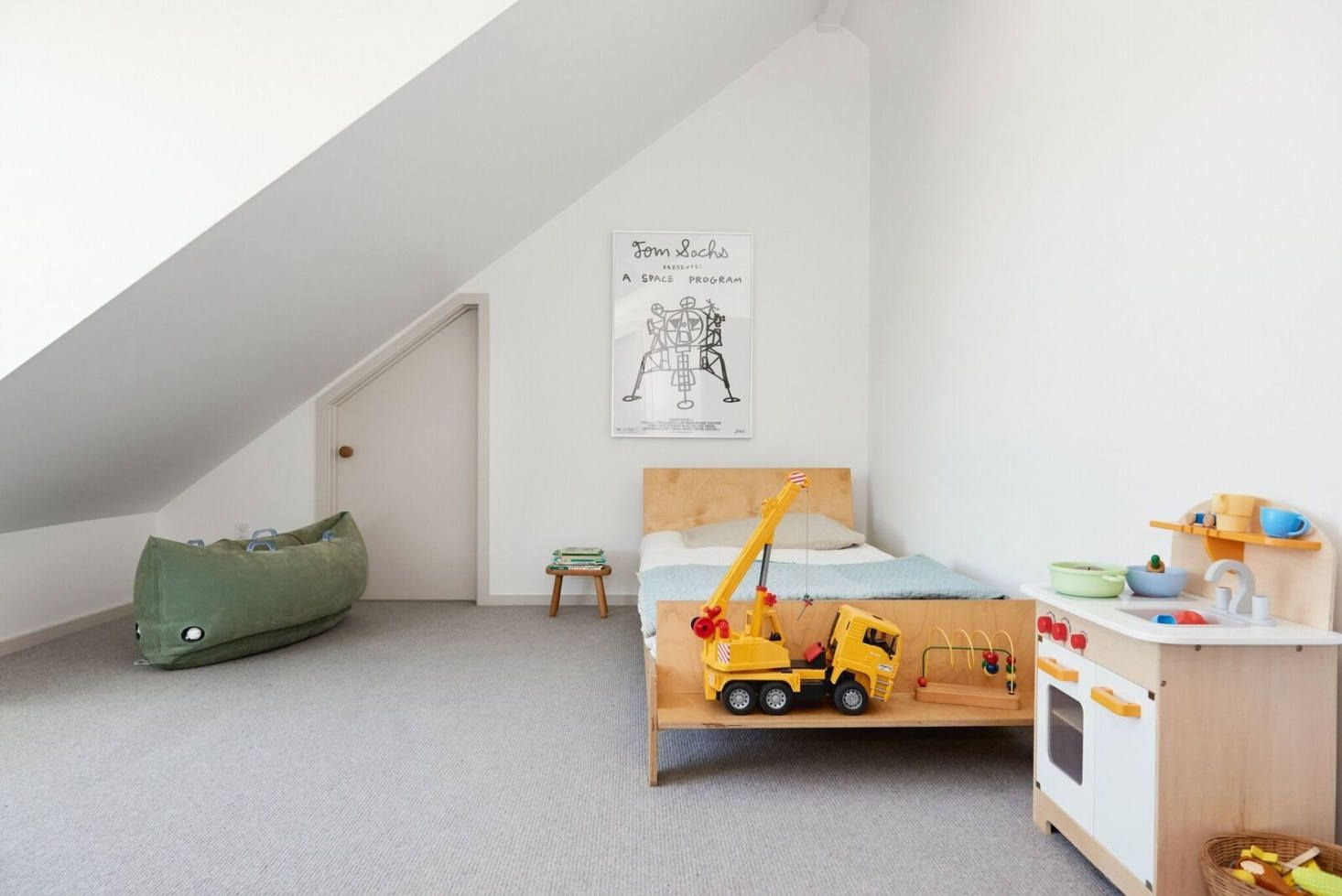 Lena Corwin S Tranquil Home In San Francisco S Outer Sunset Home Cool Kids Rooms Modern Cabin
