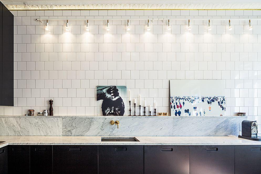 Lagerlings -kök. Love marble and tiles