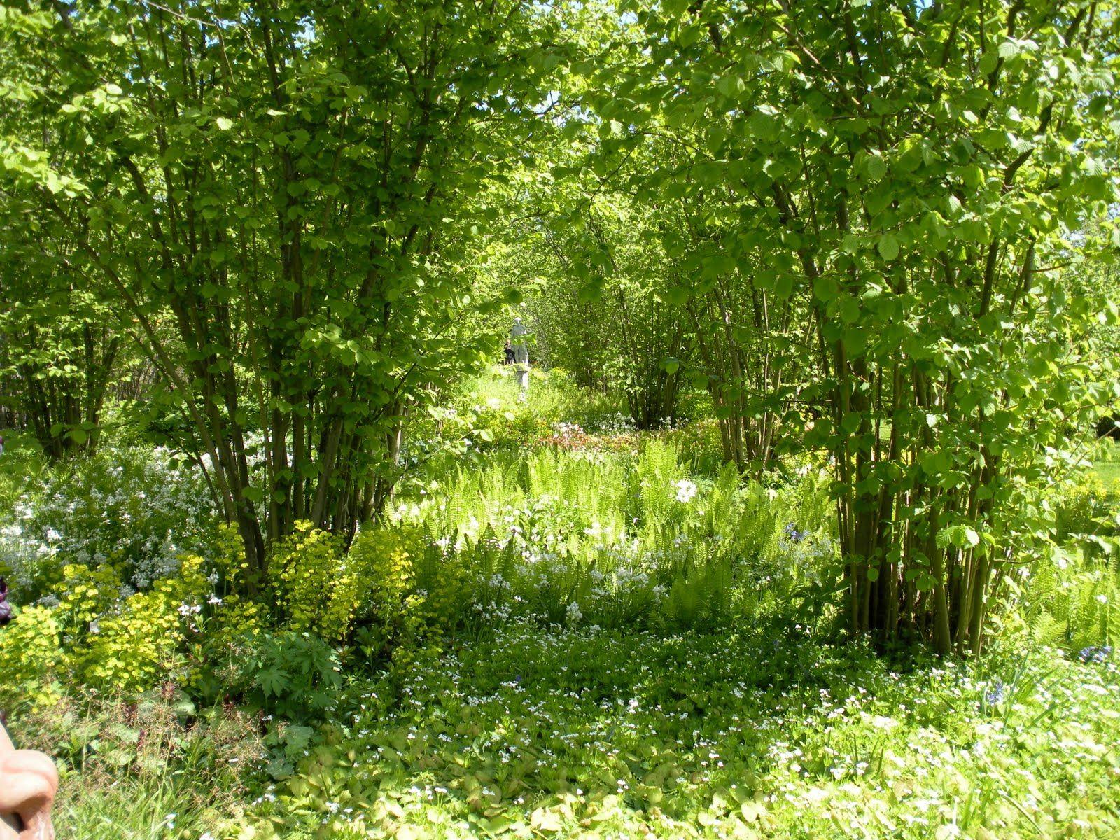 Image Result For Sissinghurst Nuttery Gothic Garden Garden Inspiration Dream Garden