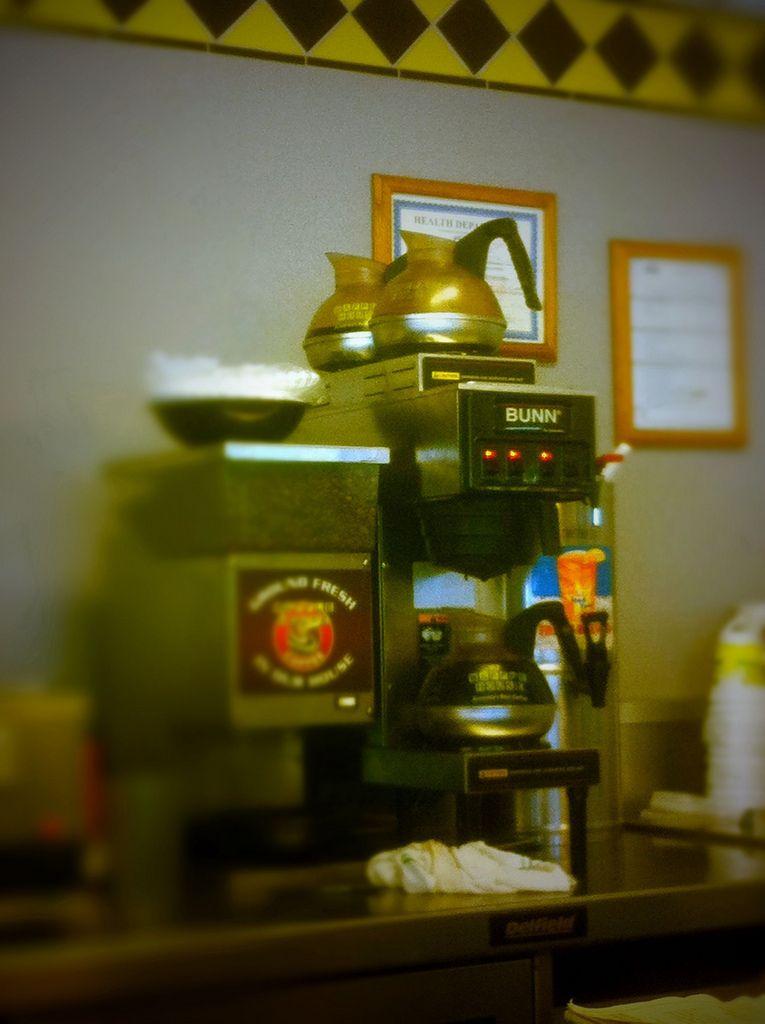 Lovely Shot Of Waffle House Coffee Pots Waffle House Coffee House Coffee Pot