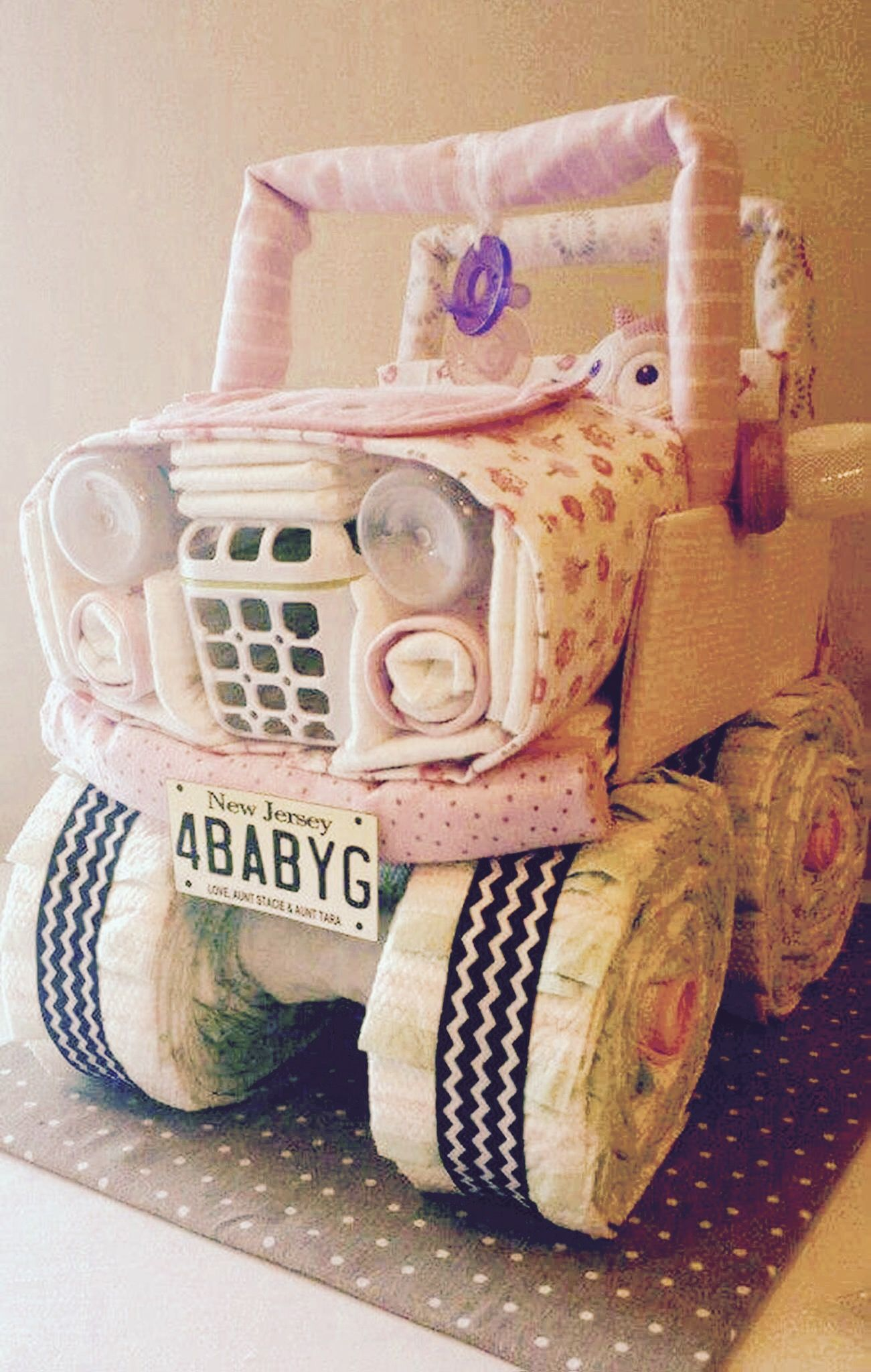 Diaper Cake Diaper Jeep 10 Blankets 2 Pacifiers 2