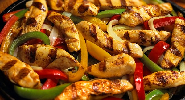 طريقة عمل فاهيتا الدجاج مثل المطاعم طريقة Recipe Fajita Recipe Fajitas Chicken Fajitas