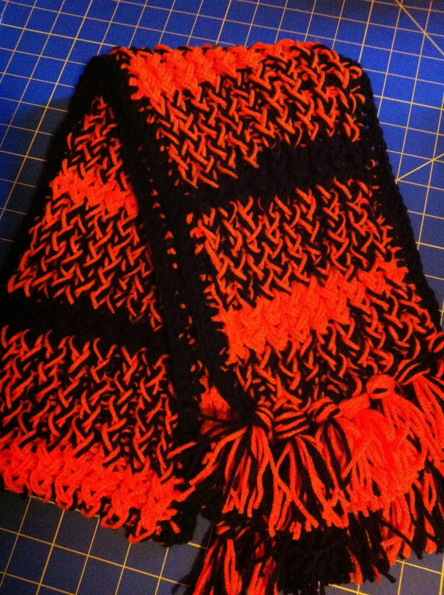 Loom knitted scarf The figure 8 wrap and two strands of yarn! | Loom ...