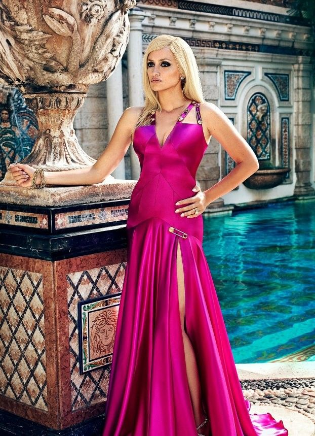 Penelope Cruz as Donatella Versace in The Assassination Of Gianni  Versace ACS Alexei Hay (EW) 6a29674d9