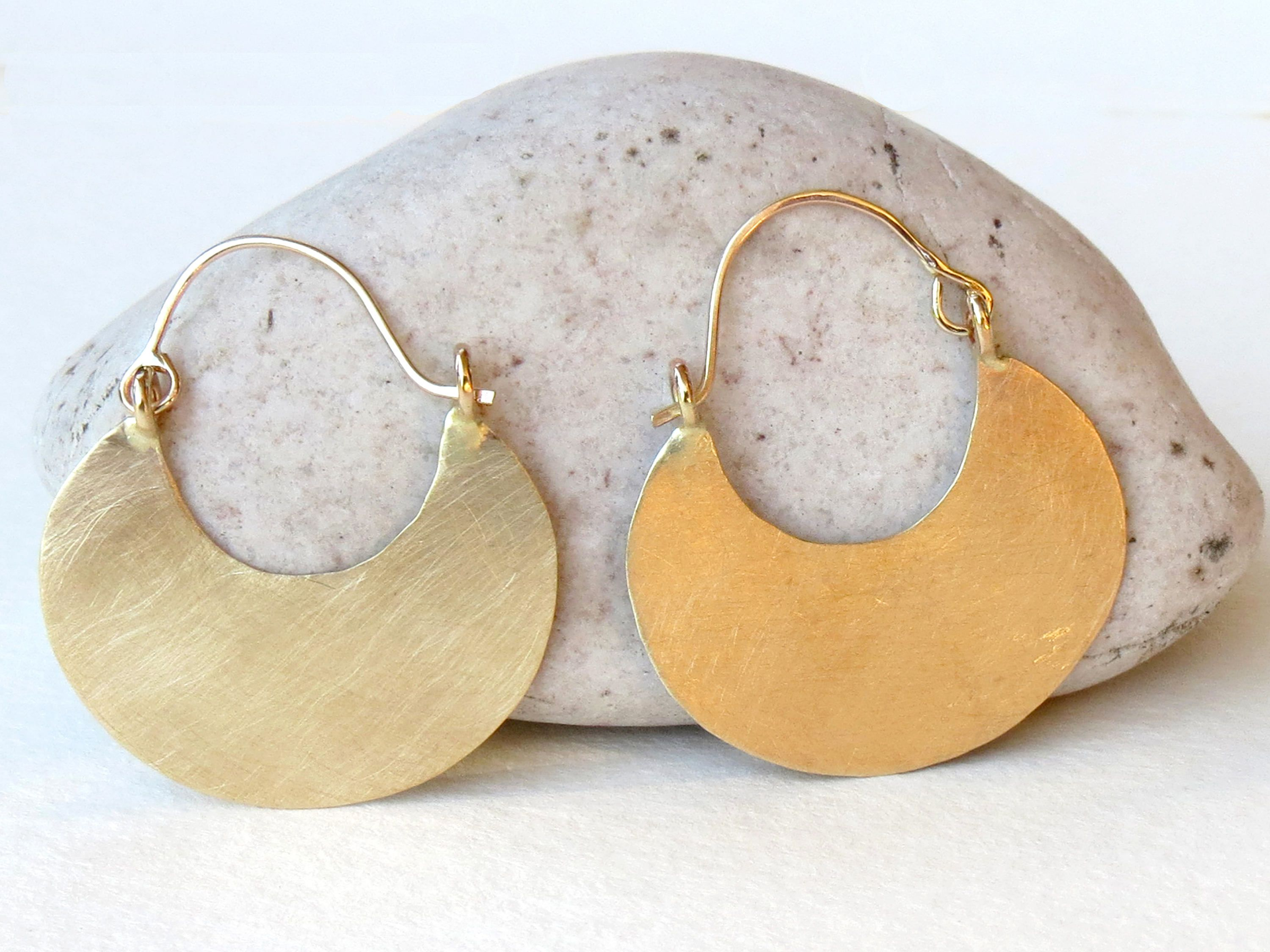 earrings in glitter gold matte pin cabochons silver