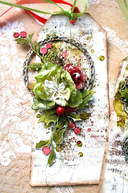 Christmas Tag by Lisa Griffith