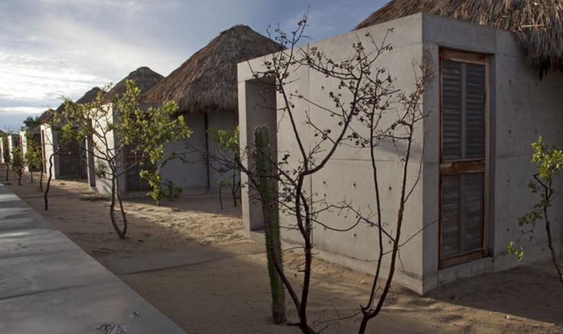 Casa Wabi, 'arte' en forma de palmas y concreto - arquitectura Obrasweb.mx