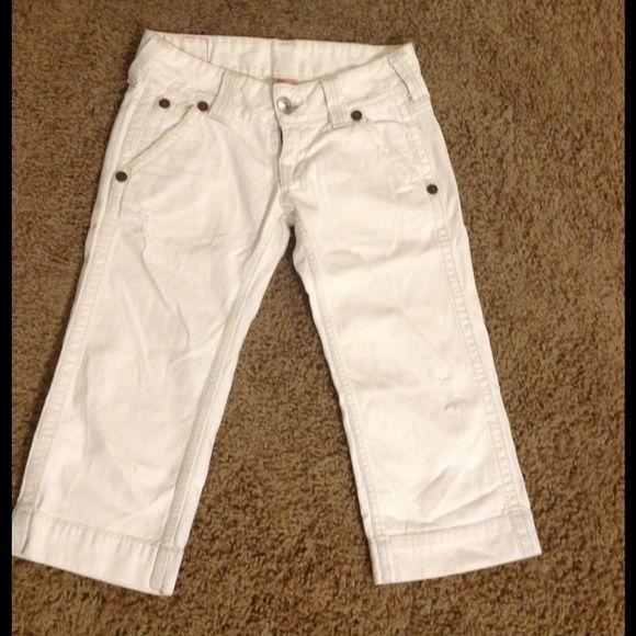 """True Religion Sammy Big T Crop White denim Size 28 True Religion Sammy Big T Crop. White denim. Size 28. 20.5"""" Inseam. True Religion Jeans Ankle & Cropped"""