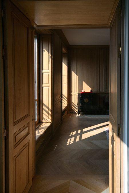 int rieur en boiseries murales mur en bois pinterest boiserie murale boiseries et murale. Black Bedroom Furniture Sets. Home Design Ideas