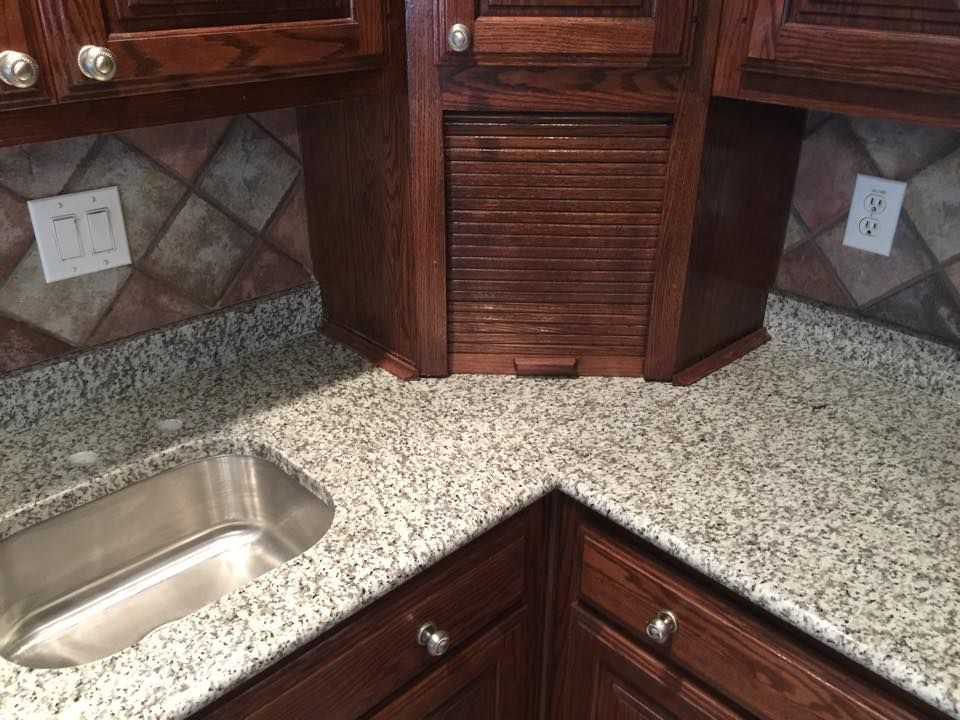 Luna Pearl Level 1 Granite White And Gray Granite Dark