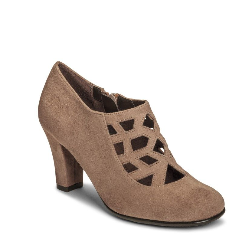 Womens Shoes Aerosoles On A Role Taupe