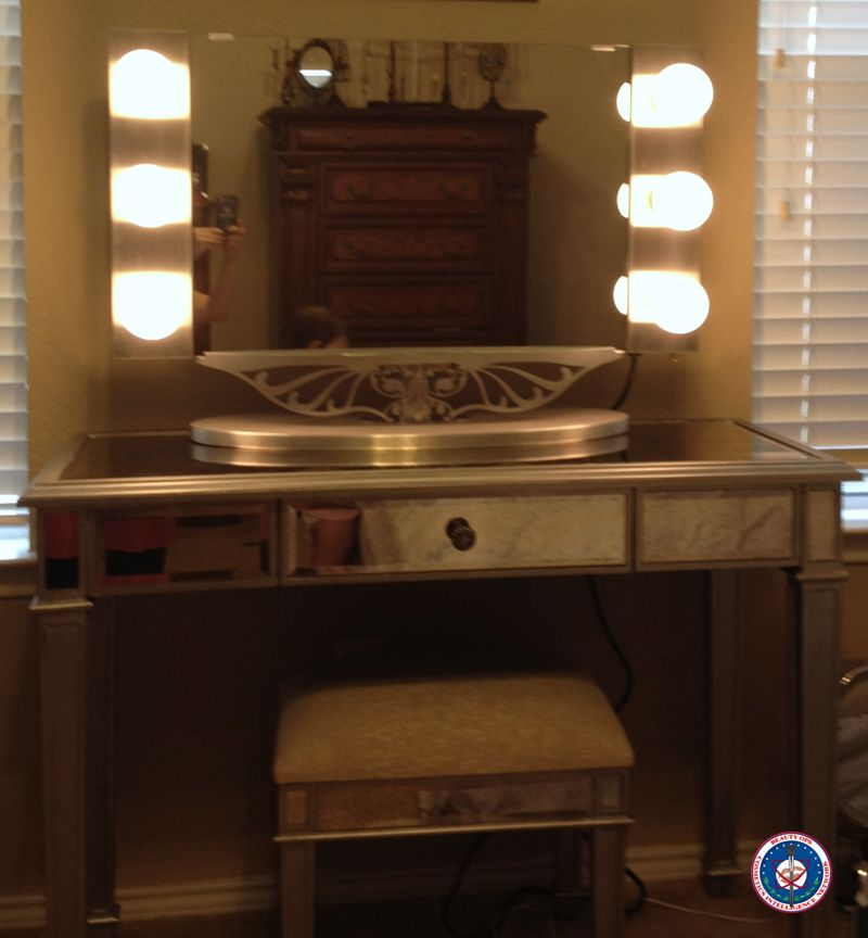 BeautyOps: VANITY GIRL Hollywood Starlet Lighted Tabletop Vanity Mirror In  Silver