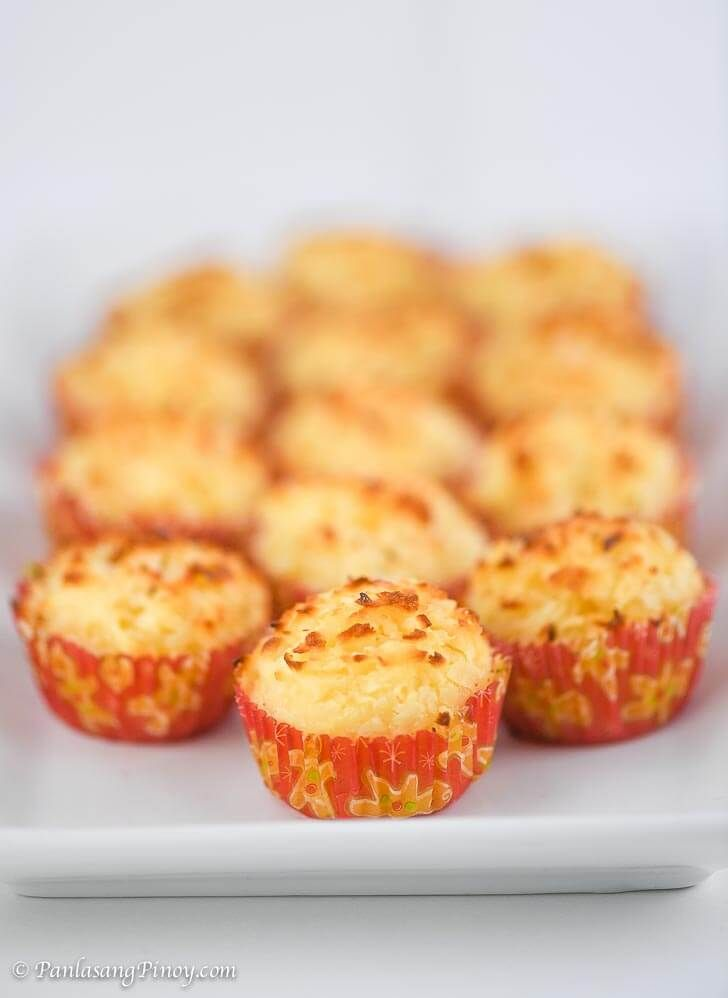 Chewy Coconut Macaroons Recipe Panlasang Pinoy Recipe Coconut Macaroons Recipe Macaroon Recipes Coconut Macaroons