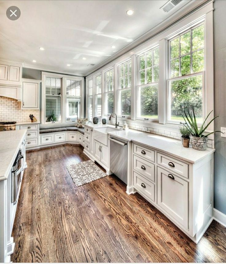 Traditional Off White Kitchen Cabinets: Lovin The Windows! Back Splash Subway Tile?