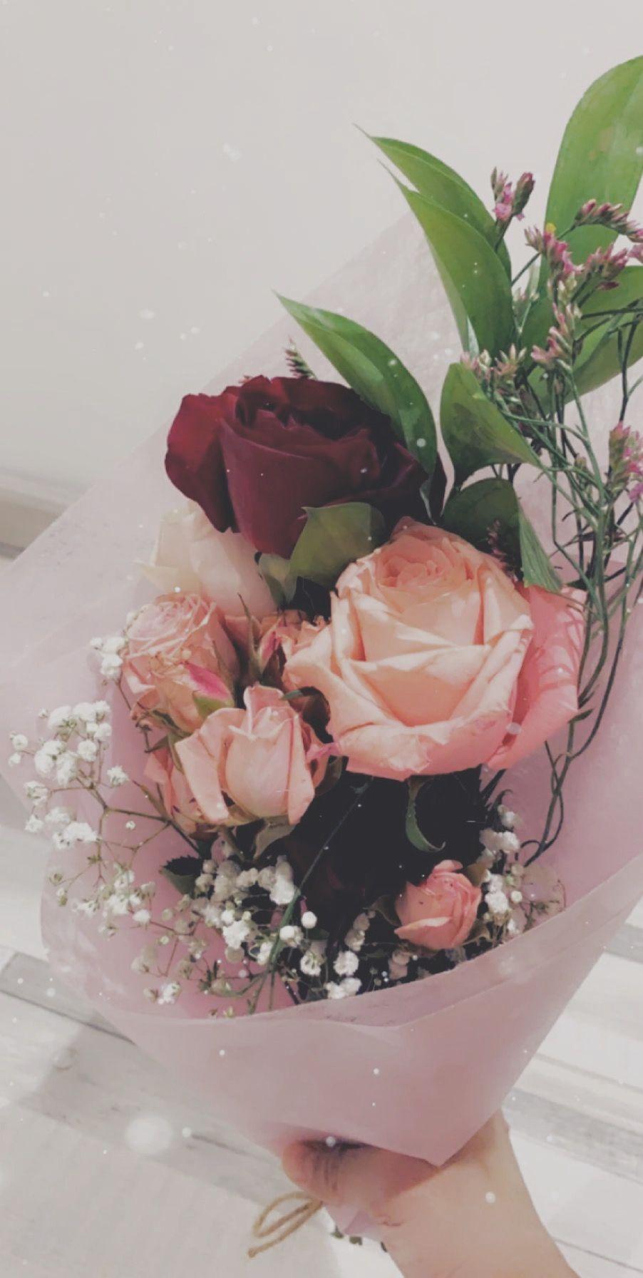 حب كبير للناس اللي تسعدنا بأشياء بسيطه Floral Wreath Floral Wreaths