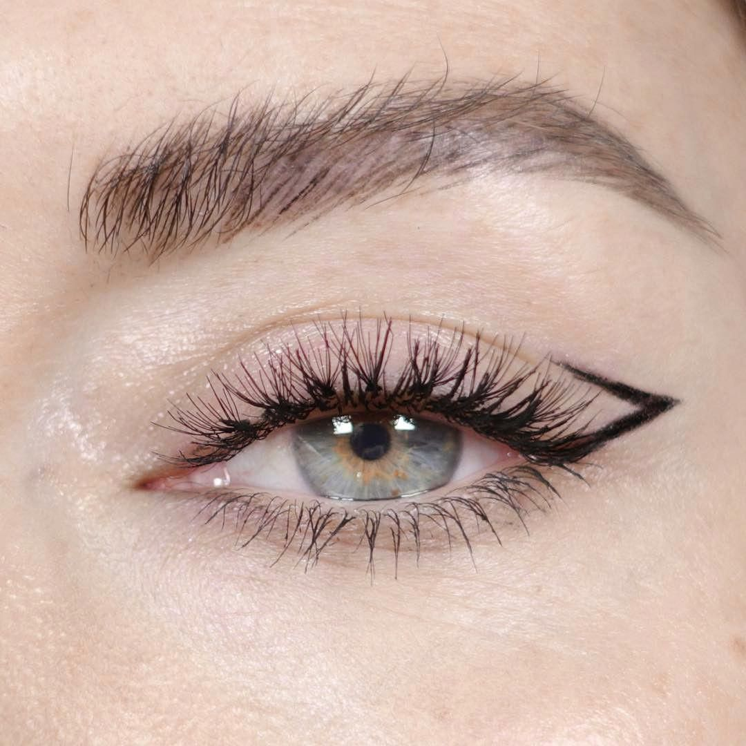 Photo of Winged Eyeliner All in One Stamp Pen Bewertung