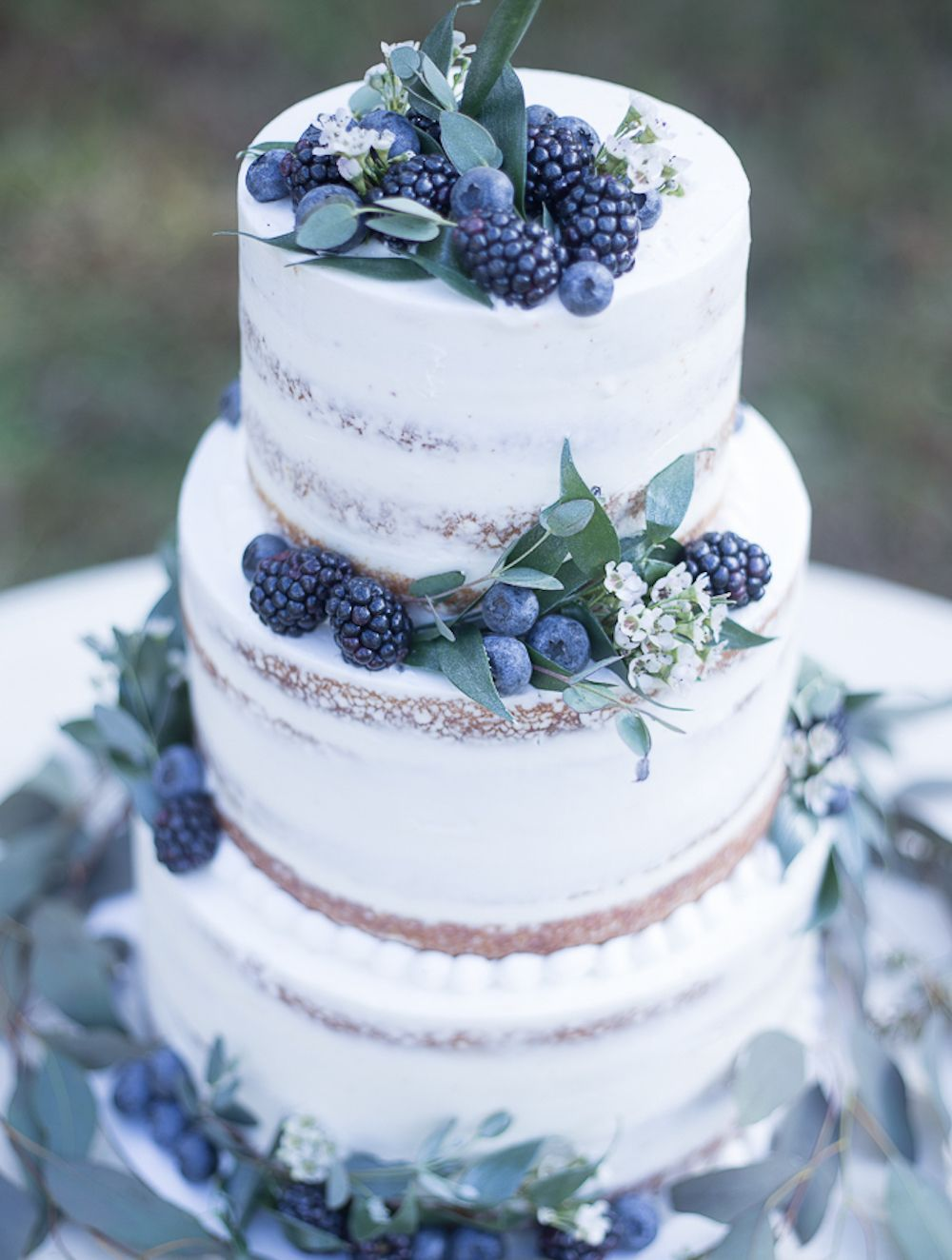 12 Beautiful Wedding Cakes (that are almost too pr
