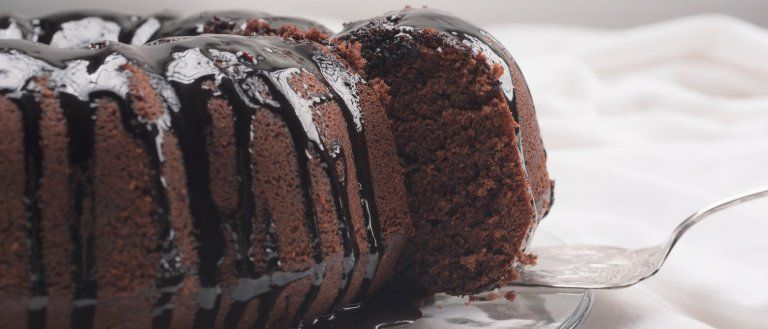 Bolo Molhadinho De Chocolate Receita Em 2020 Com Imagens