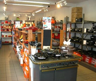 Le Creuset Outlet, Fresnoy-Le Grand, Picardy | Travel | Pinterest ...