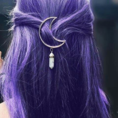 Do you love this moon crystal hair clip?