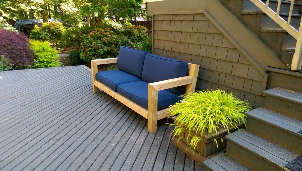 Diy modern rustic outdoor sofa inspired by rh merida