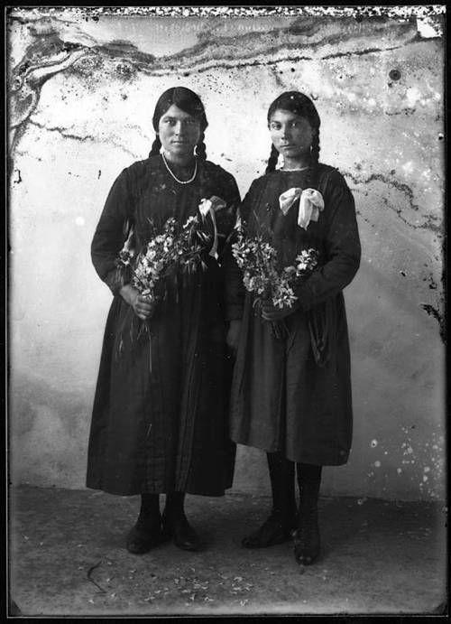 Panayotis Fatseas - Portrait of Grigoria Kassimati (l) & Areti Megalokonomou (r), Livadi, 1921.
