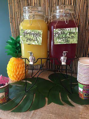 Lilo und Stitch Theme Geburtstagsparty - Wie man einen Lilo und Stitch inspiriert ... #einen #geburtstagsparty #inspiriert #stitch #theme #hawaiianluauparty