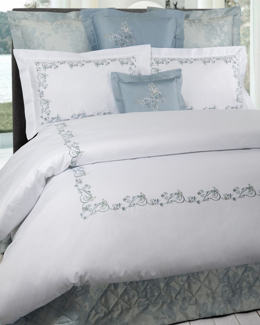 Lenzuola Matrimoniali Dea.Dea Bedding Available In White Sateen With Pink Grey Aqua Or