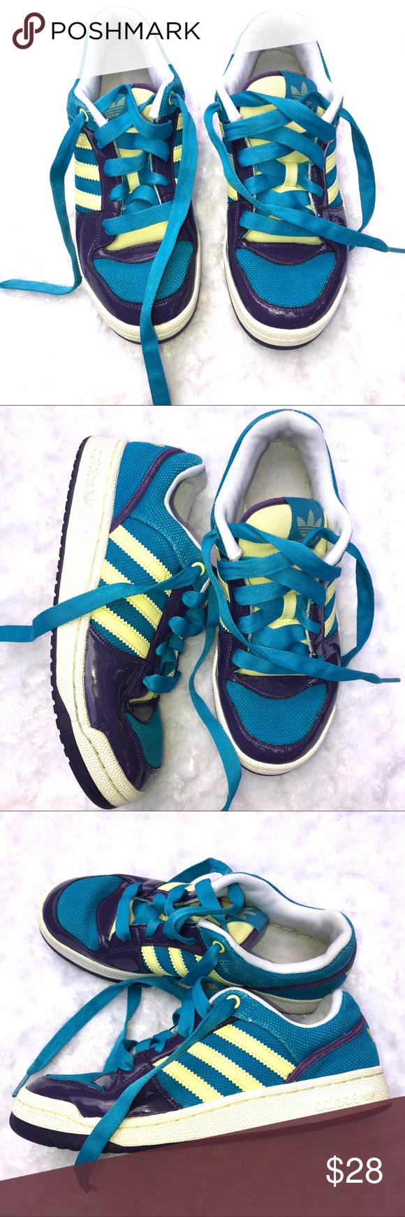 388b4b9ea1861 Girls Adidas sneakers size 7 Girls Adidas sneakers size 7 Good condition  adidas Shoes Sneakers