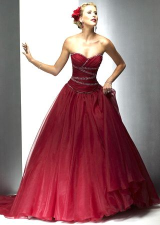 I think we should totally have an old fashioned type ball someday! Everyone  can wear really fancy dresses and suits! 68f3b8444
