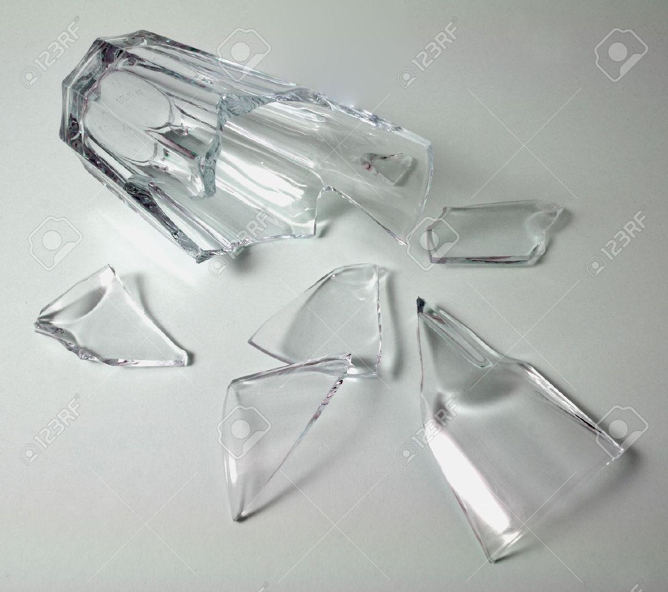 Pin by Joseph Veloz on images Windshield glass, Broken