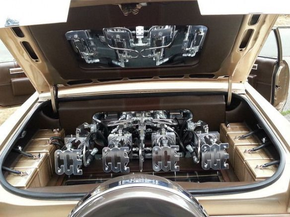 Photo of 1983 Cadillac Coupe DevilleSetup: (4) CCE FATBOYZ 1/2″ Parker hose and fittings …